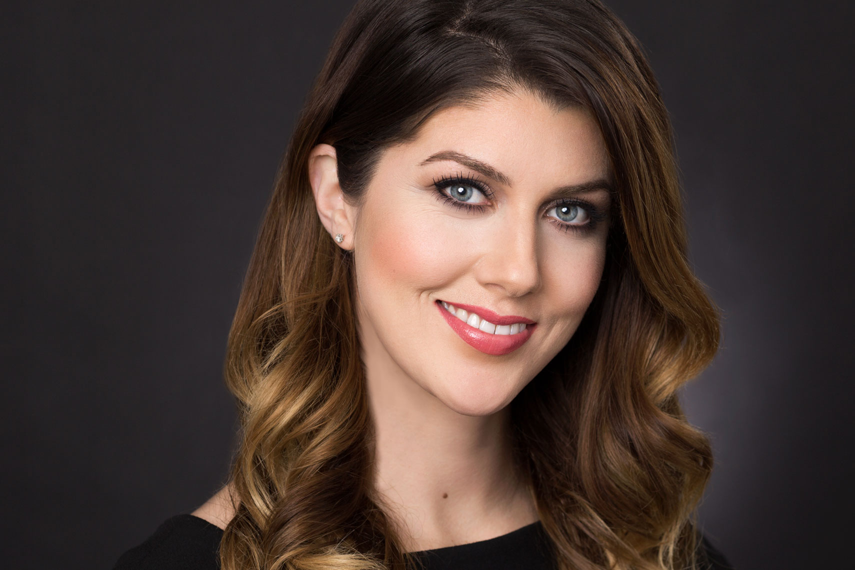 Headshot of makeup artist